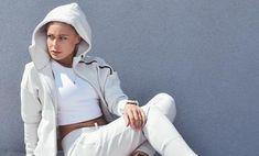 HOODIES Rain Jacket, Windbreaker, Hoodies, Jackets, Collection, Fashion, Down Jackets, Moda, Sweatshirts