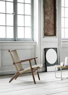 Muebles para un Salón Nórdico de Revista Furniture Design Modern, Furniture Design, Furniture Craftsmanship, Ch25 Lounge Chair, Chair, Furniture, Interior, Ch25 Easy Chair, Ch25 Chair
