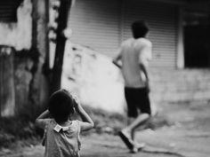 Sizing him up. Urban Photography, Street Photography, Never Stop Exploring, Gabriel, Holding Hands, Vsco, Street Art, Magazine, Explore