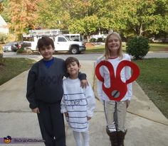 This trio who went as rock-paper-scissors. | 23 Kids Who Are Totally Nailing This Halloween Thing