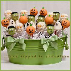 Ghosts, Pumpkins, Mummies and Frankenstein Halloween Cake Pops - Halloween - Kuchen Halloween Cake Pops, Halloween Desserts, Halloween Torte, Pasteles Halloween, Bolo Halloween, Theme Halloween, Halloween Goodies, Halloween Food For Party, Halloween Crafts