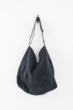 Jute Slouchy bag with leather strap made in Sydney by Juju & Co - Object of Desire Design Journal