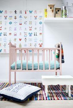 Quarto de bebê decorado com cores mistas | Eu Decoro