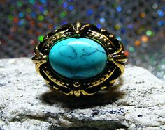 Turquoise Vintage Gold Women's Ring.   Size 7 1/2