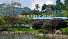 Floating Market Lembang Bandung merupakan wisata kota Bandung yang sedang booming sejak dibuka Desember 2012 lalu. Dengan konsep kuliner dan alam yang diusungnya cukup menarik perhatian wisatawan