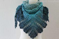 Laurelin Handmade by AnneluM Crochet Bat, Diy Crafts Crochet, Crochet Vest Pattern, Knitting Stiches, Baby Knitting Patterns, Knitting Designs, Crochet Scarves, Crochet Shawl, Crochet Stitch