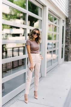 Pants outfit, dress pants, stylish work outfits, summer work outfits, w Summer Business Casual Outfits, Stylish Work Outfits, Summer Work Outfits, Classy Outfits, Business Attire, Chic Outfits, Summer Work Fashion, Chic Office Outfit, Outfit Work
