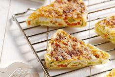 Een heerlijk vullende quiche met kip, courgette en worteltjes. Heel makkelijk voor de lunch of 's avonds als lichte maaltijd.