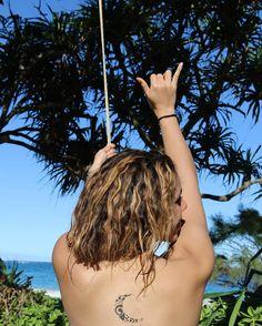 dinahjane97: 2017 started off right @ Laie, Hawaii instagram.com/p/BO-MqYuDouf/