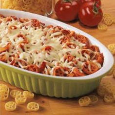 Pepperoni Pasta Bake Recipe -Here's my homemade version of a family-favorite Italian restaurant entree. For a change of pace, I substitute hamburger for pepperoni, add Italian seasonings and use a mix of fun pasta shapes including rotini and corkscrew. Pasta Casserole, Pasta Bake, Casserole Recipes, Baked Pasta Recipes, Cooking Recipes, Cooking Ideas, Pepperoni Pasta, Pepperoni Recipes, Fun Pasta