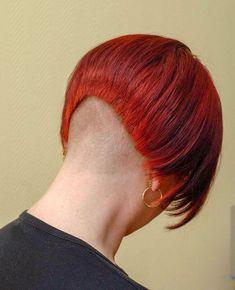 Love this short red bob. Shaved Bob, Shaved Nape, Short Hair Cuts, Short Hair Styles, One Length Bobs, Girls Short Haircuts, Bald Women, Hair Tattoos, Bowl Cut