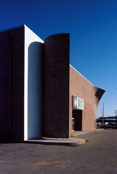 "peeling-project-showroom-for-best-products-1971-richmond-virginia_ In the 70s something remarkable happened at the BEST Product Company when they teamed up with James Wines and his ""Sculpture in the Environment"" (SITE) architecture firm."