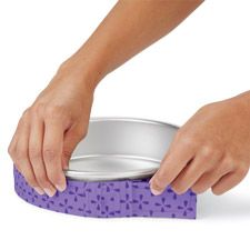 Say goodbye to high-rise centers, cracked tops and over-cooked edges. With easy to use Wilton Bake Even strips, you don't have to settle for anything less than perfection. Just dampen our strips and wrap around the pan before baking. The moisture in the s Candy Making Supplies, Cake Supplies, Baking Supplies, Baking Tools, Baking Pans, Wilton Cake Decorating, Cake Decorating Supplies, Cookie Decorating, Decorating Tools