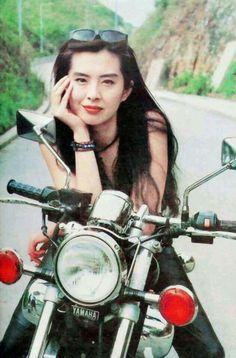 亜州明星総覧:王祖賢掲示板 Joey Wong 名前 ジョイ・ウォン かな  じょい・うぉん 英語名 Joey Wang 職業 役者 性別 女性 出身地 台湾台北市 生年月日 1967年1月31日(47歳)(みずがめ座) 別表記 王祖賢