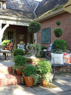 The french tangerine remodeling outdoor gardens, french pati French Courtyard, French Patio, Garden Cottage, Garden Pots, Balcony Gardening, Garden Bar, Hydroponic Gardening, Indoor Gardening, Outdoor Rooms