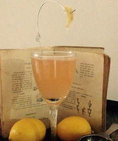 THE BECOMING GIN COCKTAIL in my cocktail blog http://nuevamixologiacolombiana.blogspot.com.co/2015/12/signature-cocktails-ccxvi-becoming-gin.html