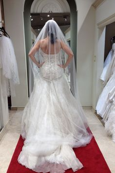 10 things no one tells you about wedding gown shopping!