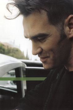 ssomething ssplendid about thiss compossition • morrissey??? ><