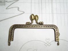 Taschenbügel antik Bronze mit Kugel  Clips von Leinen-Traum auf DaWanda.com Clips, Kugel, Bronze, Etsy, Linen Fabric, Bags