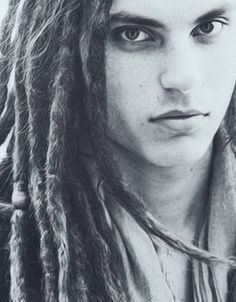 Samuel Larsen's beautiful face :)