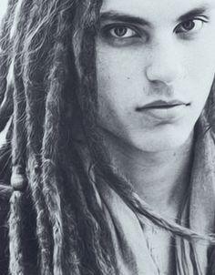 Samuel Larsen's beautiful face :)