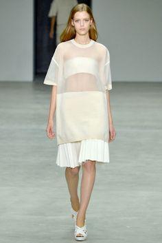 """Boutique - この春は""""透け感""""勝負! 女性らしさを謳歌する、センシュアルな肌見せルック。"""