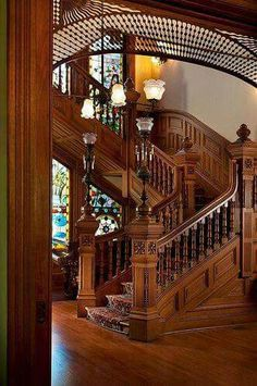 Incredible staircase - Victorian