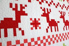 Freshly Pieced Modern Quilts: Fair Isle Christmas Quilt - My New Pattern