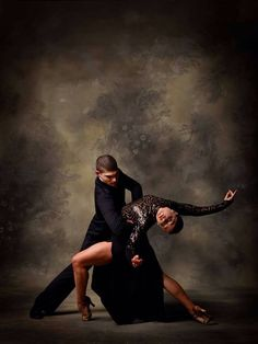 Tango black and white photograph. I officially have discovered my new photography pursuit, tango, and Latin ballroom. Shall We Dance, Lets Dance, Dance Like No One Is Watching, Dance Movement, Argentine Tango, Dance Lessons, Dance Company, Ballroom Dancing, Dance Photos