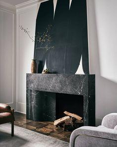 Fireplace Facade, Home Fireplace, Modern Fireplace, Fireplace Design, Fireplaces, Home Interior Design, Interior Architecture, Interior And Exterior, New Living Room