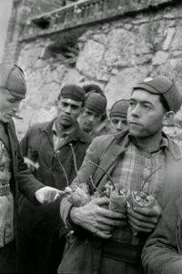 Spain - 1937. - GC - Dinamiteros asturianos. (Fotografía David Seymour)