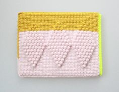 Crochet Ipad sleeve by Lutter Idyl