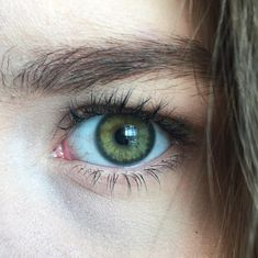 Forest green eyes (the color of eyes I believe I have). Forest green eyes (the color of eyes I believe I have). Pretty Eyes, Cool Eyes, Beautiful Eyes, Dark Green Eyes, Olive Green Eyes, Yellow Eyes, Aesthetic Eyes, Human Eye, Eye Photography