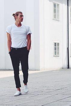 H&M T Shirt, Baggy, H&M Pants, Vans Sneakers