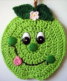 Crochet happy Lime, wall deco, by Jerre Lollman Crochet Food, Love Crochet, Crochet Crafts, Yarn Crafts, Crochet Flowers, Crochet Projects, Crochet Baby, Stitch Crochet, Crochet Motif