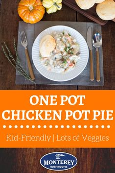 One pot recipes are the best - less cleaning, am I right? Try this one pot chicken pot pie recipe. You'll make all the filling in one pot, and then just top it with a baked biscuit. It's easy to make and is a great family friendly dinner. Pie Recipes, Brunch Recipes, Healthy Dinner Recipes, Chicken Recipes, Best Mushroom Recipe, Mushroom Recipes, One Pot Chicken, Yum Yum Chicken, Mushroom Side Dishes