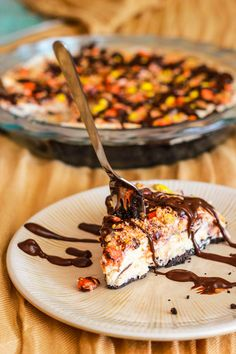 SKINNY Frozen Peanut Butter Pie...I need to make this!!