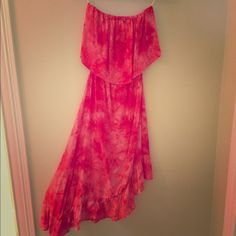 Strapless dress Used once, great condition, comfortable, stretchy around waist and bust Dresses Strapless
