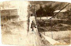 West Garrett swinging bridge - Floyd County, Ky - outside Wayland, KY