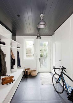 Mudroom Ideas – A mudroom may not be a very essential part of the house. Smart Mudroom Ideas to Enhance Your Home Dark Ceiling, Shiplap Ceiling, Coloured Ceiling, Mudroom Laundry Room, Mud Room Lockers, Mudroom Cubbies, Foyer Decorating, Decorating Ideas, Decor Ideas
