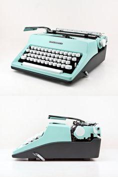 Vintage Schreibmaschine Olympia Colortip S, Schreibmaschine, hellblau, ausgezeichnetem Zustand arbeiten