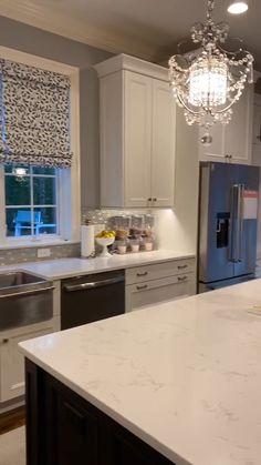 Kitchen Pantry Design, Modern Kitchen Design, Home Decor Kitchen, Interior Design Kitchen, Home Kitchens, Kitchen Ideas, Kitchen With Tv, Interior Home Decoration, American Kitchen Design
