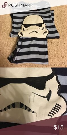 Hannah Andersson Organic Starwars PJs 110cm Hannah Andersson Organic StarWars PJs in Navy and Light Blue Stripe. Great Overall Condition. Couple Small Cracks (unusual) but otherwise Perfect. 110cm/5. Hannah Andersson Pajamas Pajama Sets
