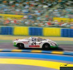 "Porsche in diorama ""Track Curve_Le Mans"". Le Mans, Diorama, Slot Cars, Scale Models, Dream Cars, Porsche, Classic Cars, Track, Base"