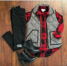 woman clothing ideas that look cool 098776 Outfits Con Camisa, Plaid Shirt Outfits, Cute Outfits, Outfits With Vests, Plaid Shirts, Red Plaid Shirt Outfit, Black Vest Outfit, Plaid Vest, Flannels