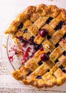 Sweet and Summery you'll want to make this Foolproof Cherry Pie all season long! So delicious with a cup of coffee! Sweet and Summery you'll want to make this Foolproof Cherry Pie all season long! So delicious with a cup of coffee! Cherry Pie Recipe With Frozen Cherries, Best Cherry Pie Recipe, Homemade Cherry Pies, Cherry Recipes, Tart Recipes, Dessert Recipes, Recipe From Scratch, Fruit Tart, Just Desserts