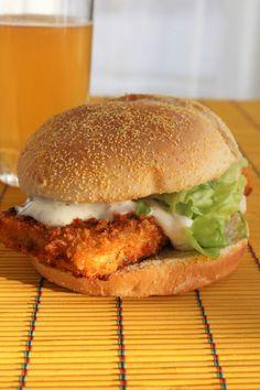 "Crispy tofu burgers with a ""fishy"" flavor - My everyday cooking - NALA Tofu Recipes, Burger Recipes, Vegetarian Recipes, Healthy Recipes, Tofu Burger, Salmon Burgers, Hamburger Au Tofu, Hamburger Vegetarien, Tofu Chicken"