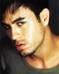"""Free PDF Piano Sheet Music for """"Don't Turn Off The Lights - Enrique Iglesias Feat. Search our free piano sheet music database for more! Enrique Iglesias, Elvis Presley Funeral, Trevor Moran, Latin Music, English, Beautiful Voice, Man Alive, Attractive Men, Gorgeous Men"""