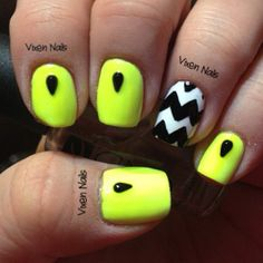 neon and chevron :) Photo by vixen_nails