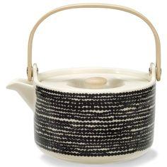 Siirtolapuutarha tekanna från Marimekko är stilfull tekanna designad av Sami Ruotsalainen...
